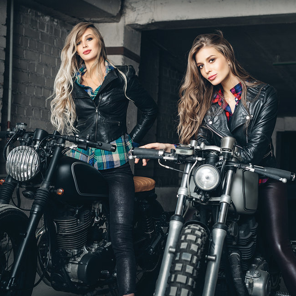 Calendrier 2021 Sexy femme et moto